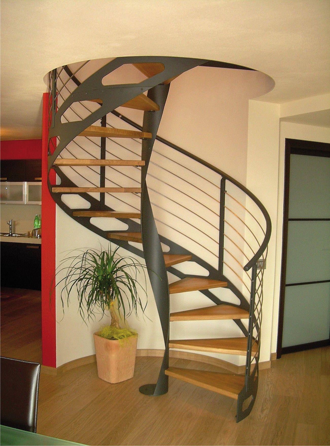 #Escalier - Hélicoïdal, marches en bois. Découvrez les ...