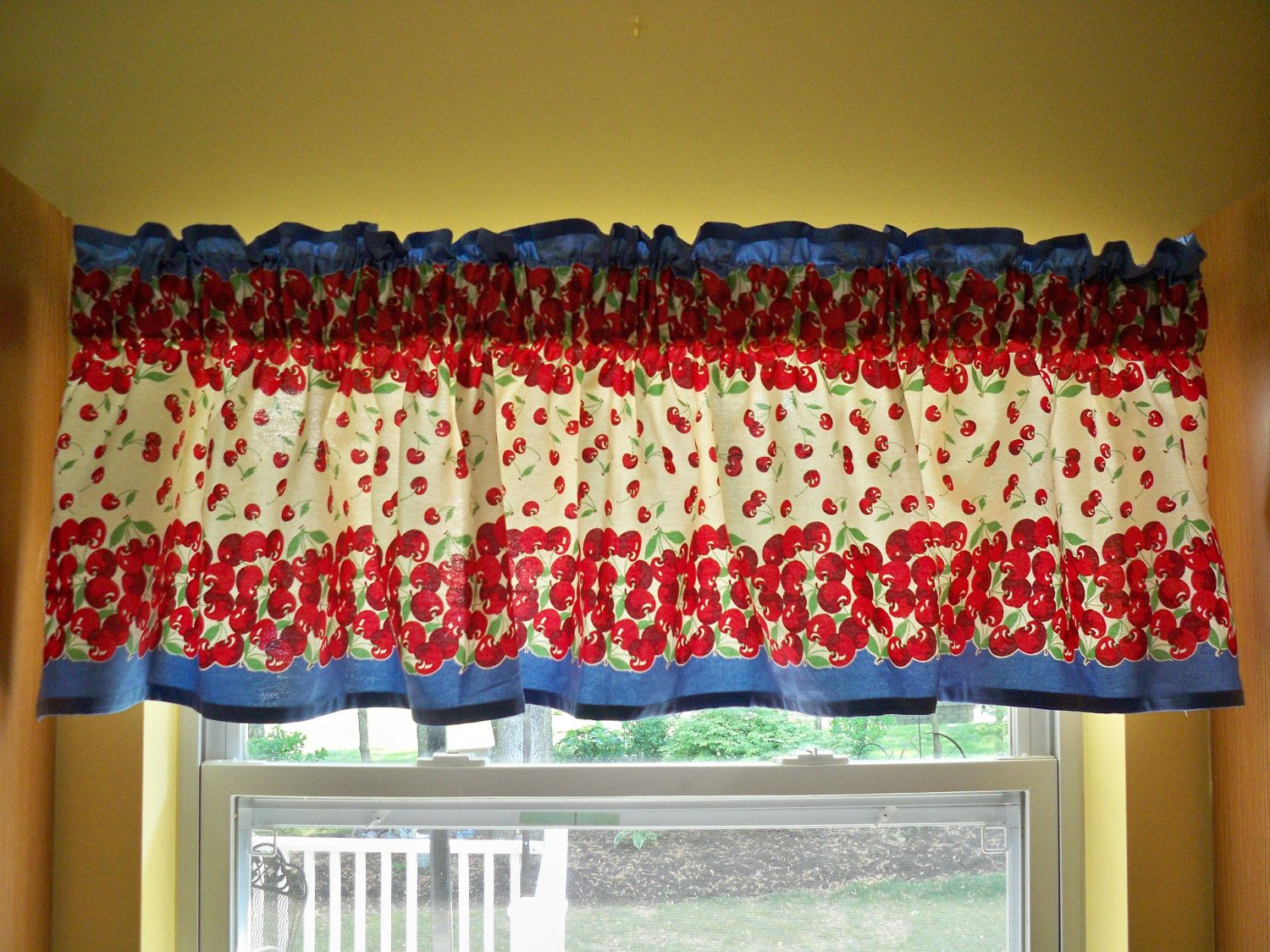 Kitschy kitchen vintage s window valance cherries by danlyn