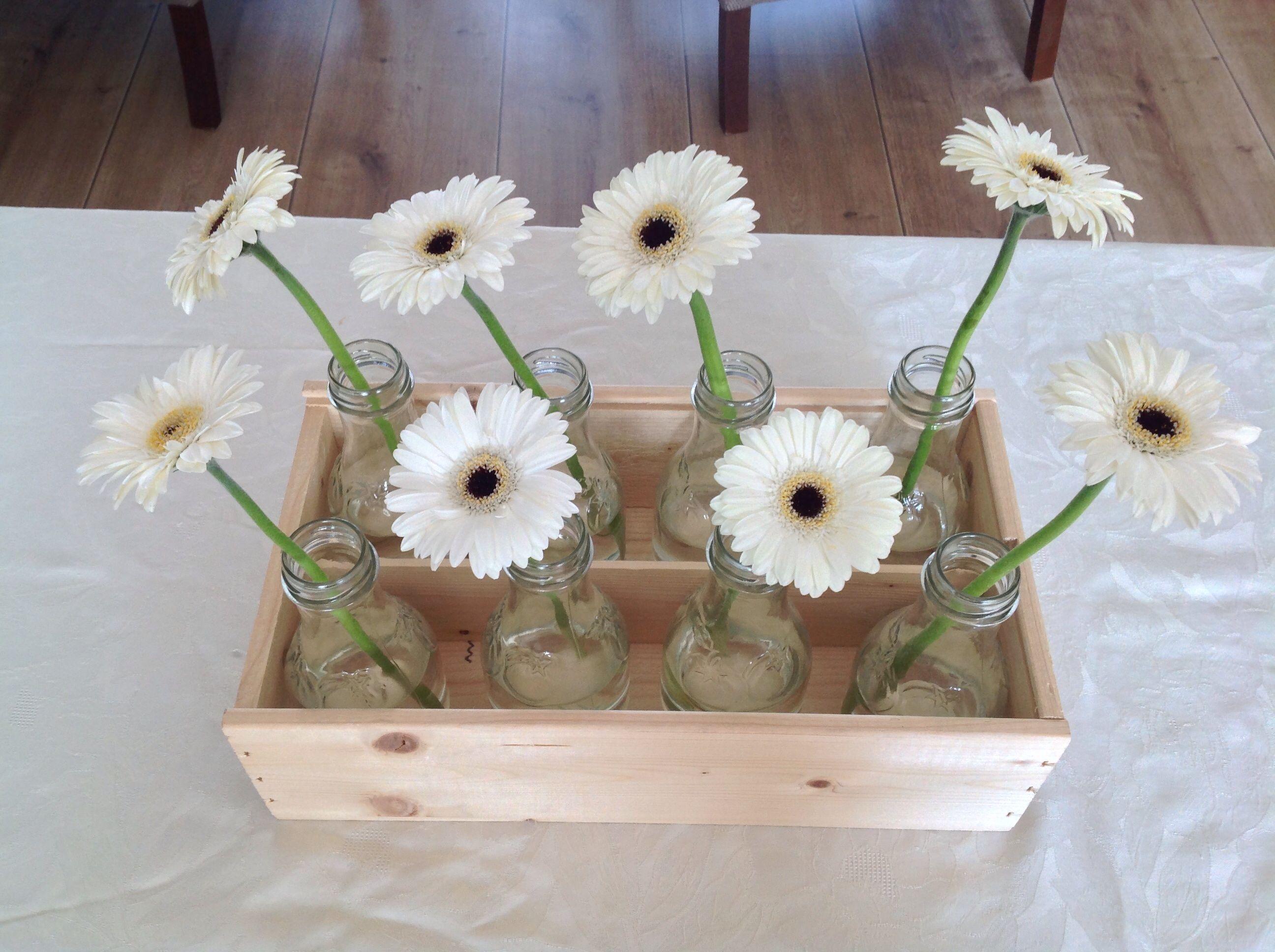 Communietafel tafeldecoratie pinterest decoratie for Bloemen decoratie