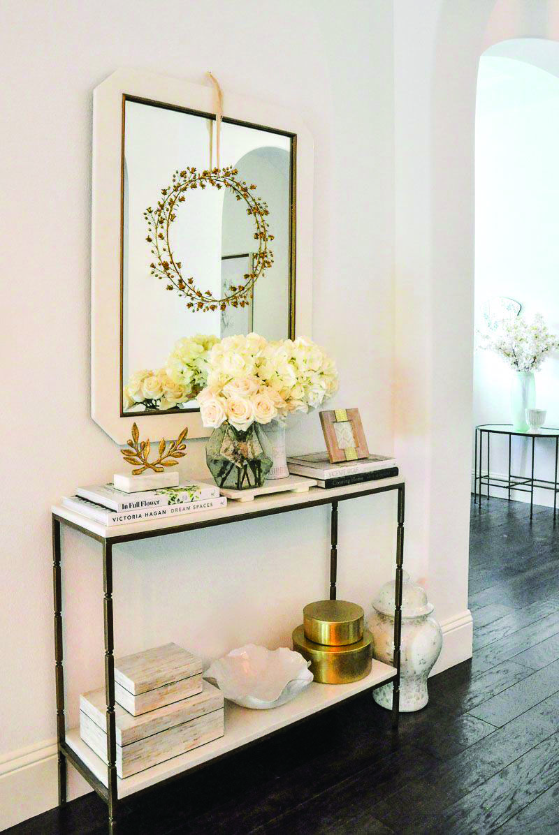 All White Living Rooms White Console Table Console T