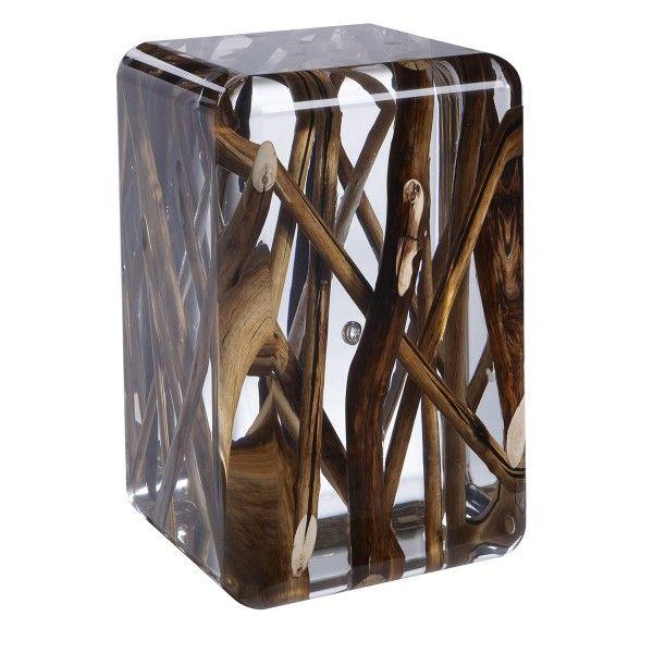L association du verre acrylique et du bois flott est une - Place du verre a eau sur une table ...