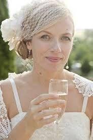 bridal low side bun with veil - Google Search #lowsidebuns bridal low side bun with veil - Google Search #lowsidebuns