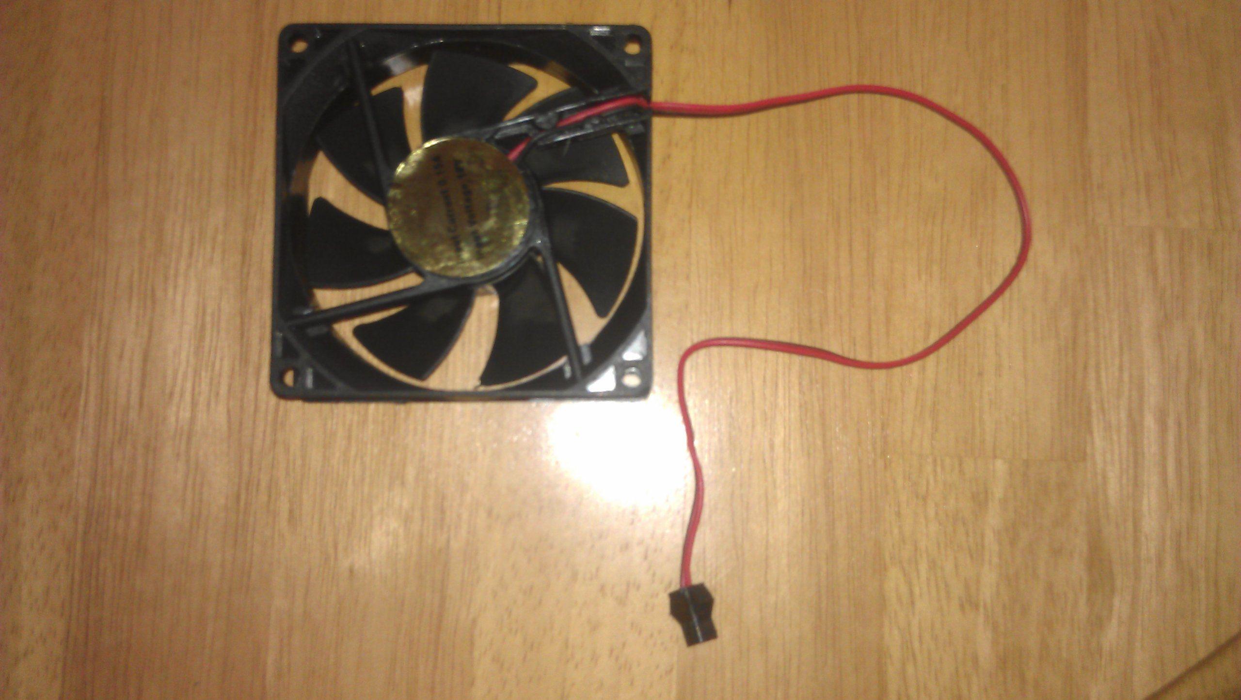 12 Volt Mini Cooling Fan 3x1 2mm Plug 15 Amp 12 Volt Mini