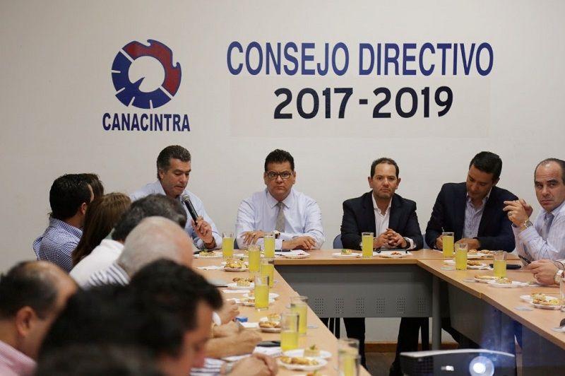El titular de la SSP de Michoacán se reunió con líderes empresariales, quienes le manifestaron su respaldo para coadyuvar con acciones que permitan inhibir hechos delictivos en la entidad – ...