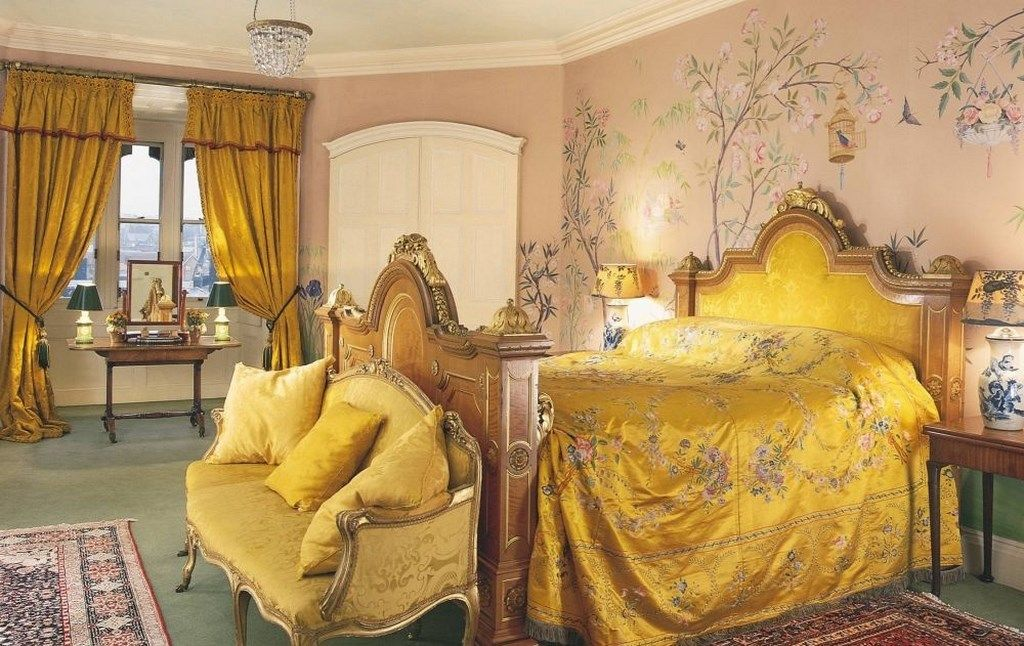 Traditional Bedroom with FLoral Wall Mural   houses   Pinterest ...