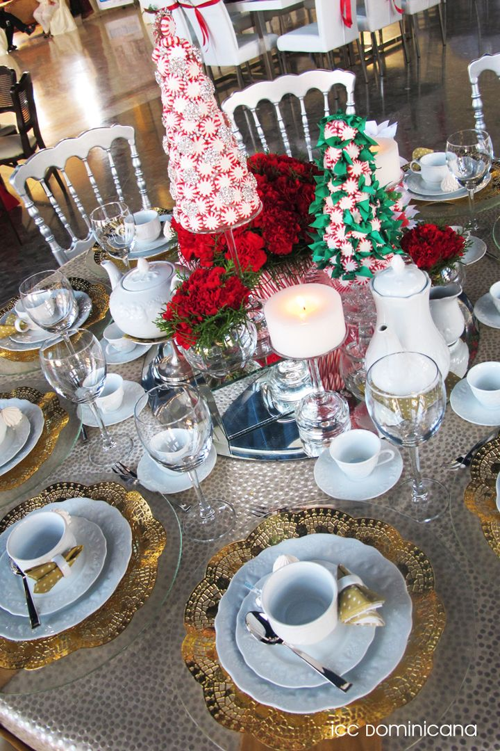 Red And White Christmas Tea Party Idea With Gold Details