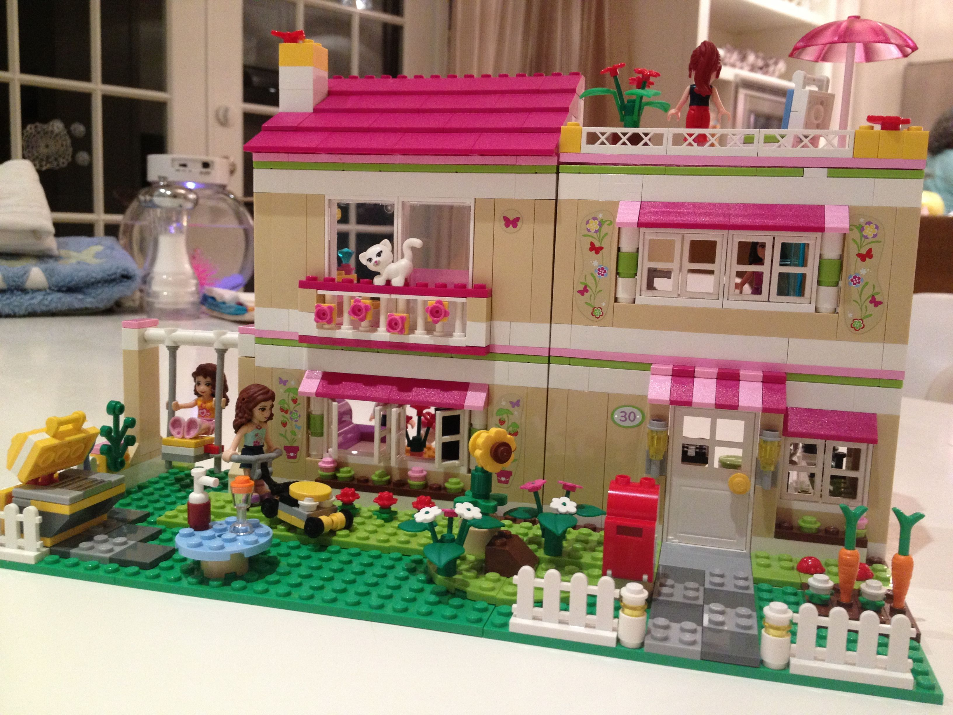 Girls Lego dream house Took 3 days to finish