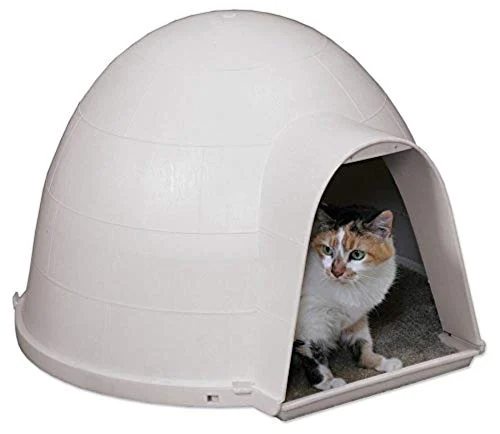 Safe And Warm Outdoor Cat Houses To Shelter Your Kitties In 2021 Outdoor Cat House Cat Shelter Pet Mat