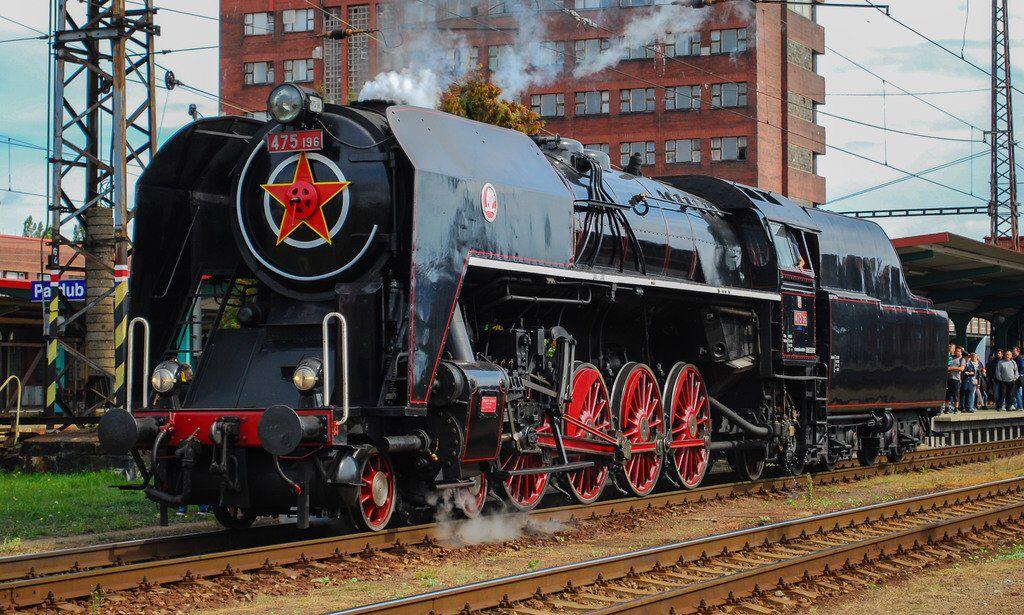 Skoda 475 196 Steam at Pardubice Station, Czech