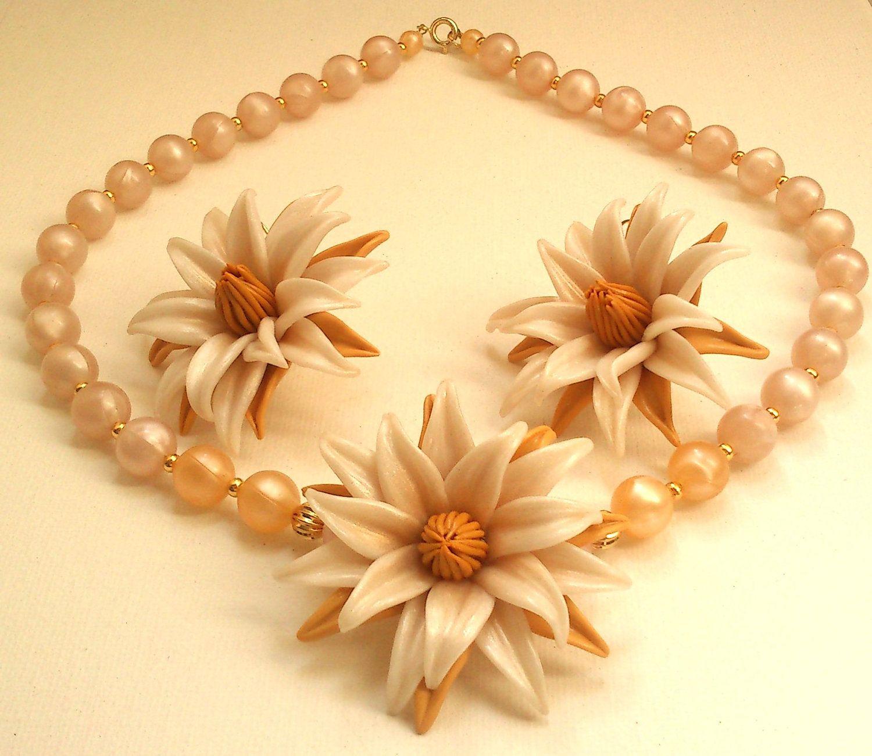 Flower jewelry set pearl jewelry polymer flower handmade pearl flower jewellery set pearl jewellery polymer clay flower 3850 via etsy aloadofball Gallery