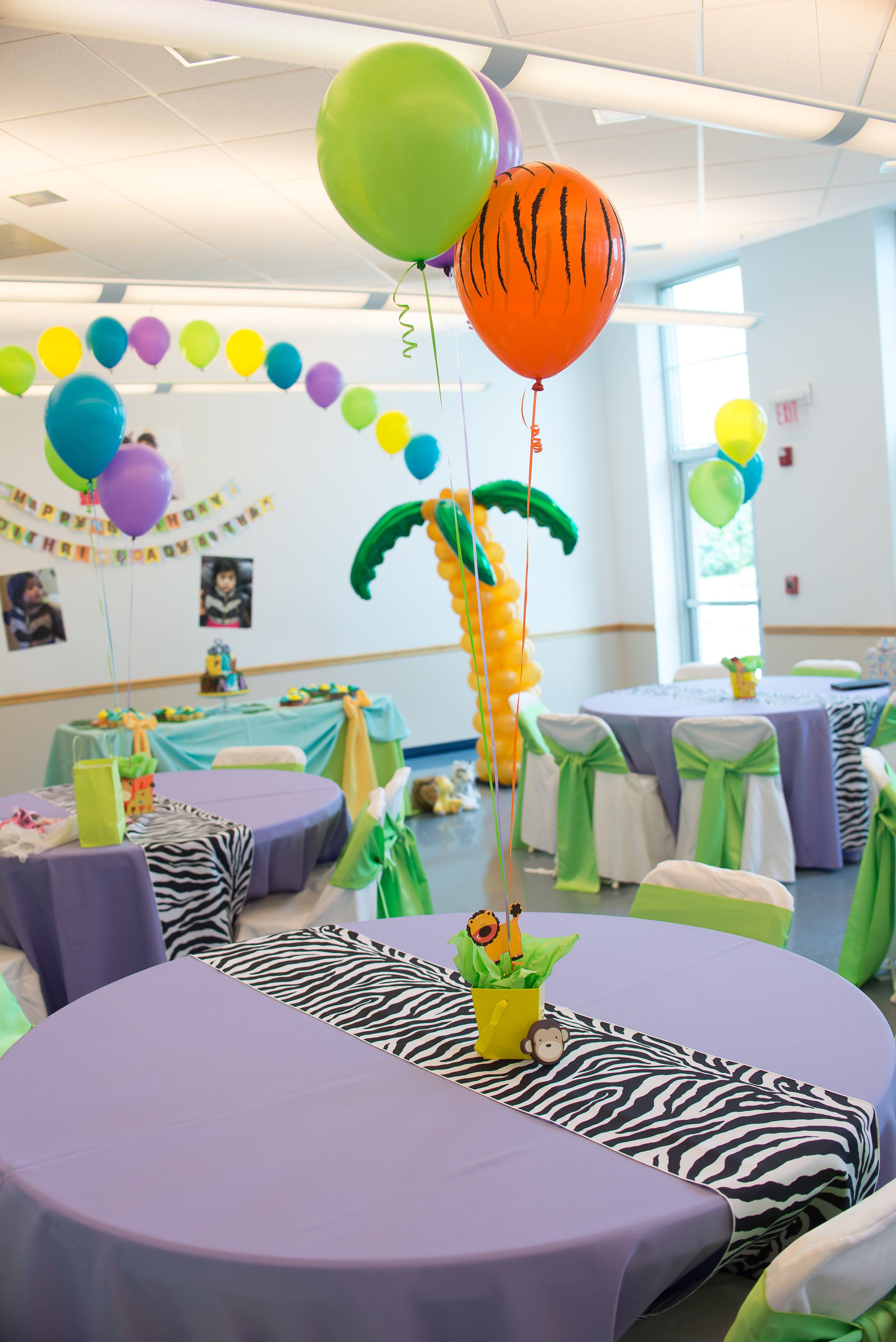 1St Birthday Jungle Theme Table Decoration Balloon Centerpiece Palm Tree