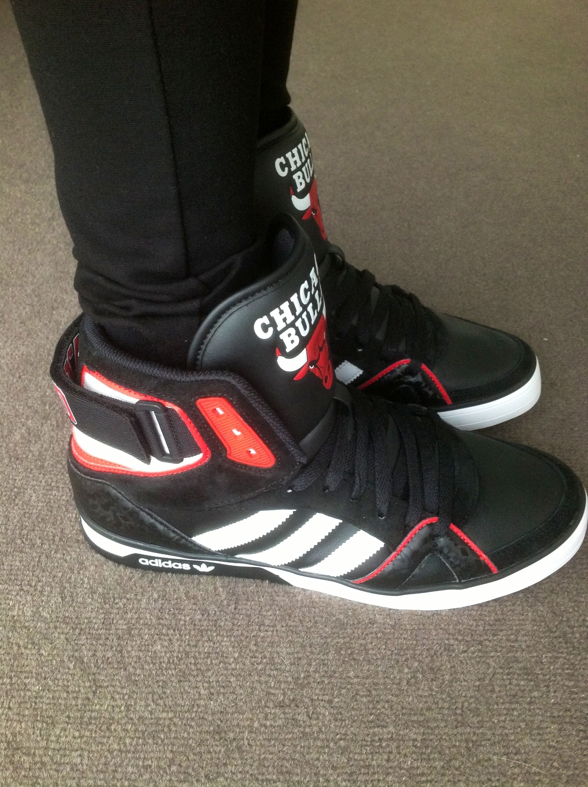 adidas space diver bulls side adidas spacediver chicago