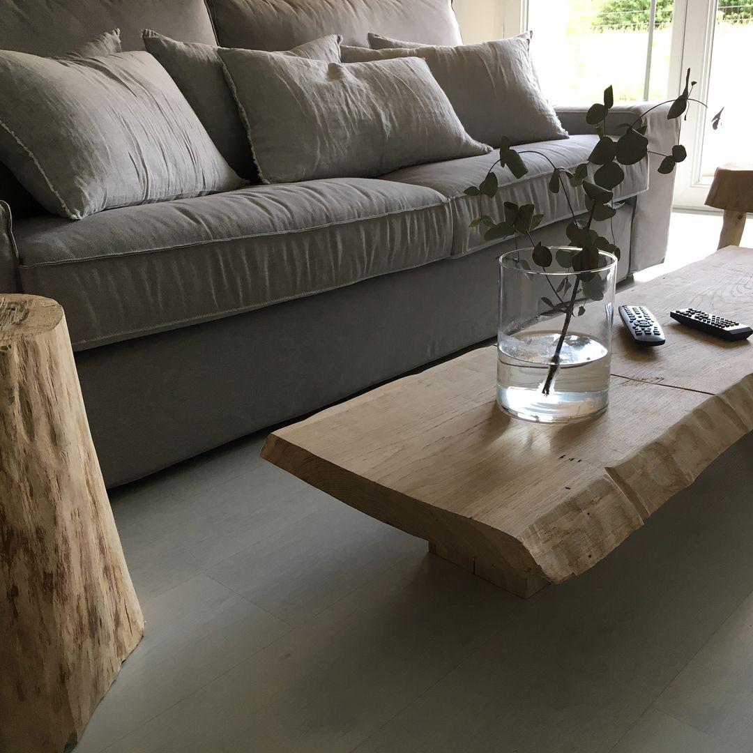 Provenance De La Photo Instagram Ellealoeildesign Bois Brut Wood Table Tablebasse Notre Site Web Www Antiquesmc F En 2020 Table Basse Bois Table Basse Bois
