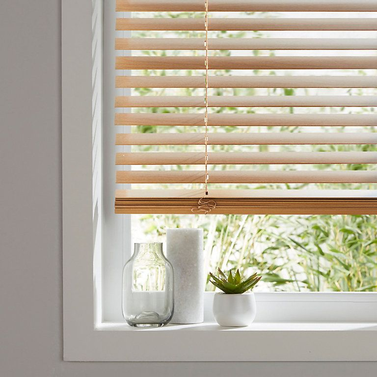 Colours Cana Venetian Blind W 60 Cm L 180 Cm B Q For All Your Home And Garden Supplies And Advice On Venetian Blinds White Venetian Blinds Aluminum Blinds