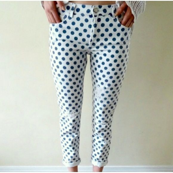 323c5801 Zara Distressed skinny jeans These Zara Trafaluc white skinny jeans with  blue polka dots are distressed/destroyed. Inseam 26