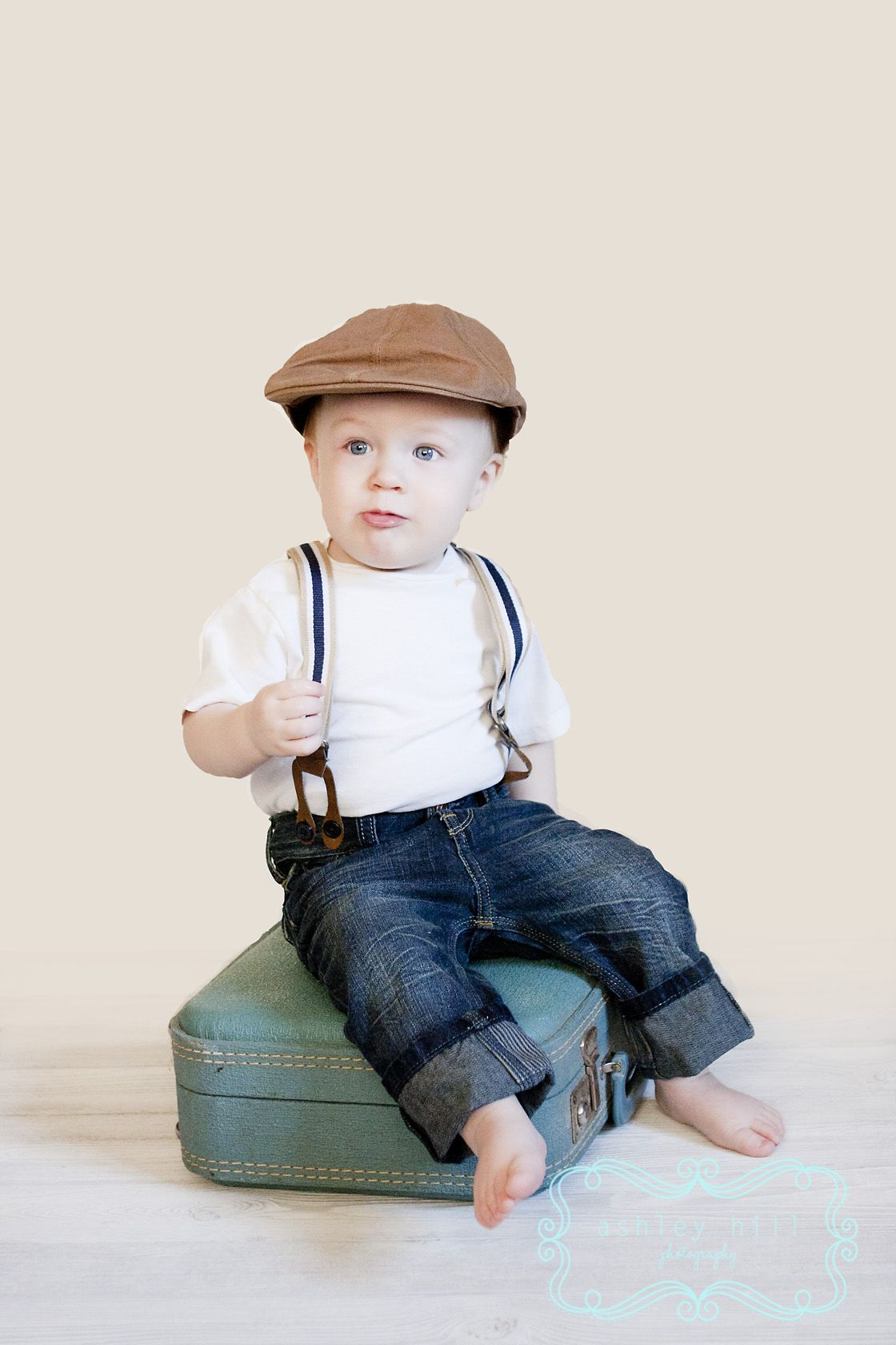 1 year old boy | Baby boy portraits, Toddler pictures ...