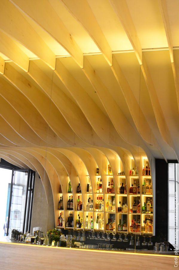 GRAVITY BAR: LE bar à cocktails.  44 rue des Vinaigriers, 75010