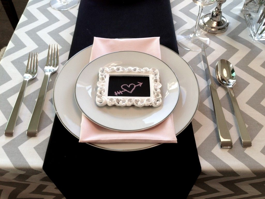 Valentines Day Dinner Table Decoration Grey Pink {use Gray, Black, And Red?
