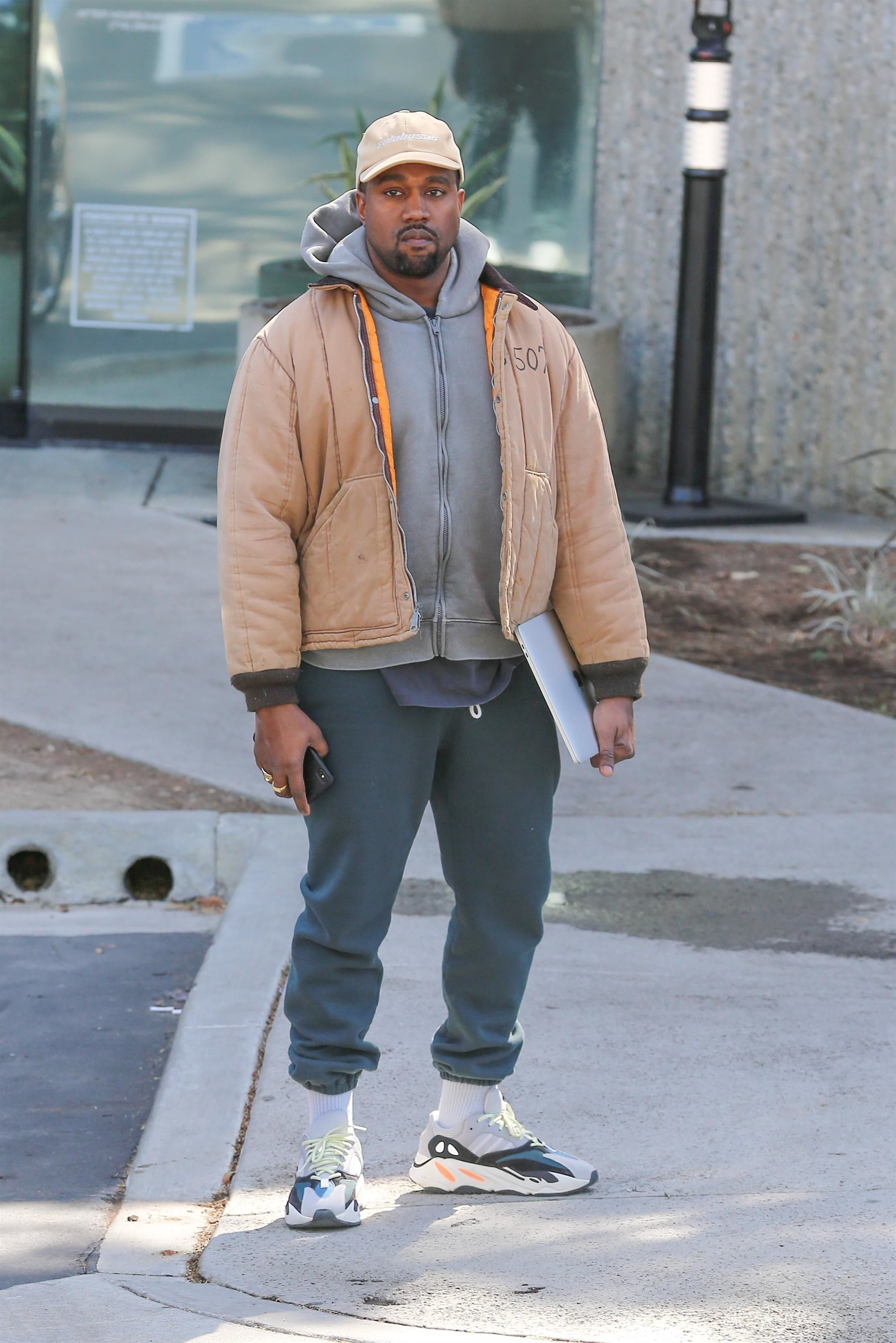 Kanye West Arrives At His Office On Looklive Kanye West Style Kanye West Outfits Kanye Fashion
