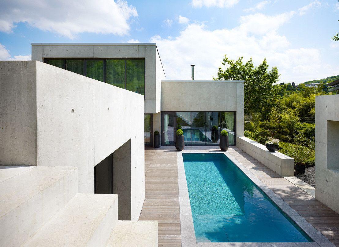 5 traumhafte terrassen pool minimalistischer garten for Minimalistischer garten