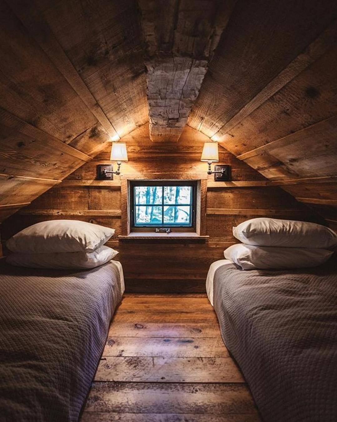 Cabin Of The Day In 2019 Cabin Loft Beautiful Houses