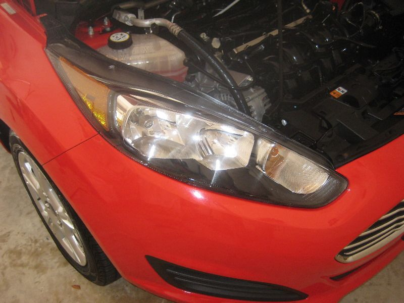 Ford Fiesta Headlight Bulbs Replacement Guide 001