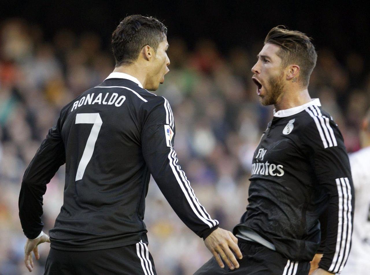 Top 3 Igrokov Evropy V 10 H Godah In 2021 Cristiano Ronaldo Ronaldo Sergio Ramos