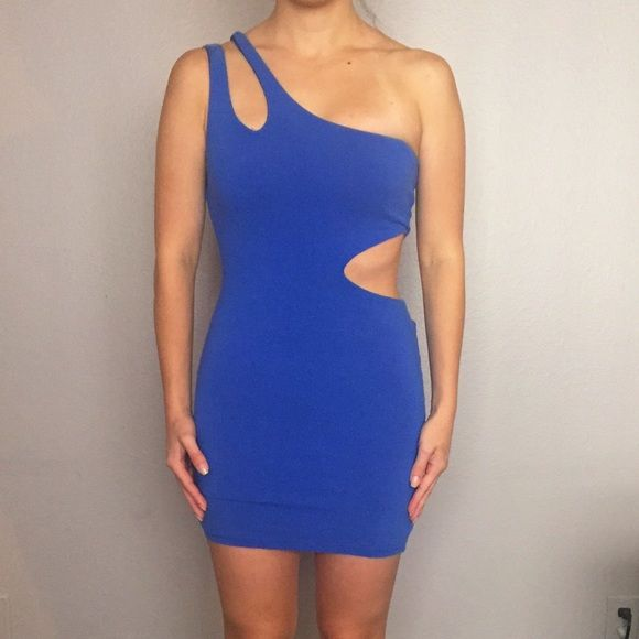 Blue party dress Blue party dress with cut on the side Dresses