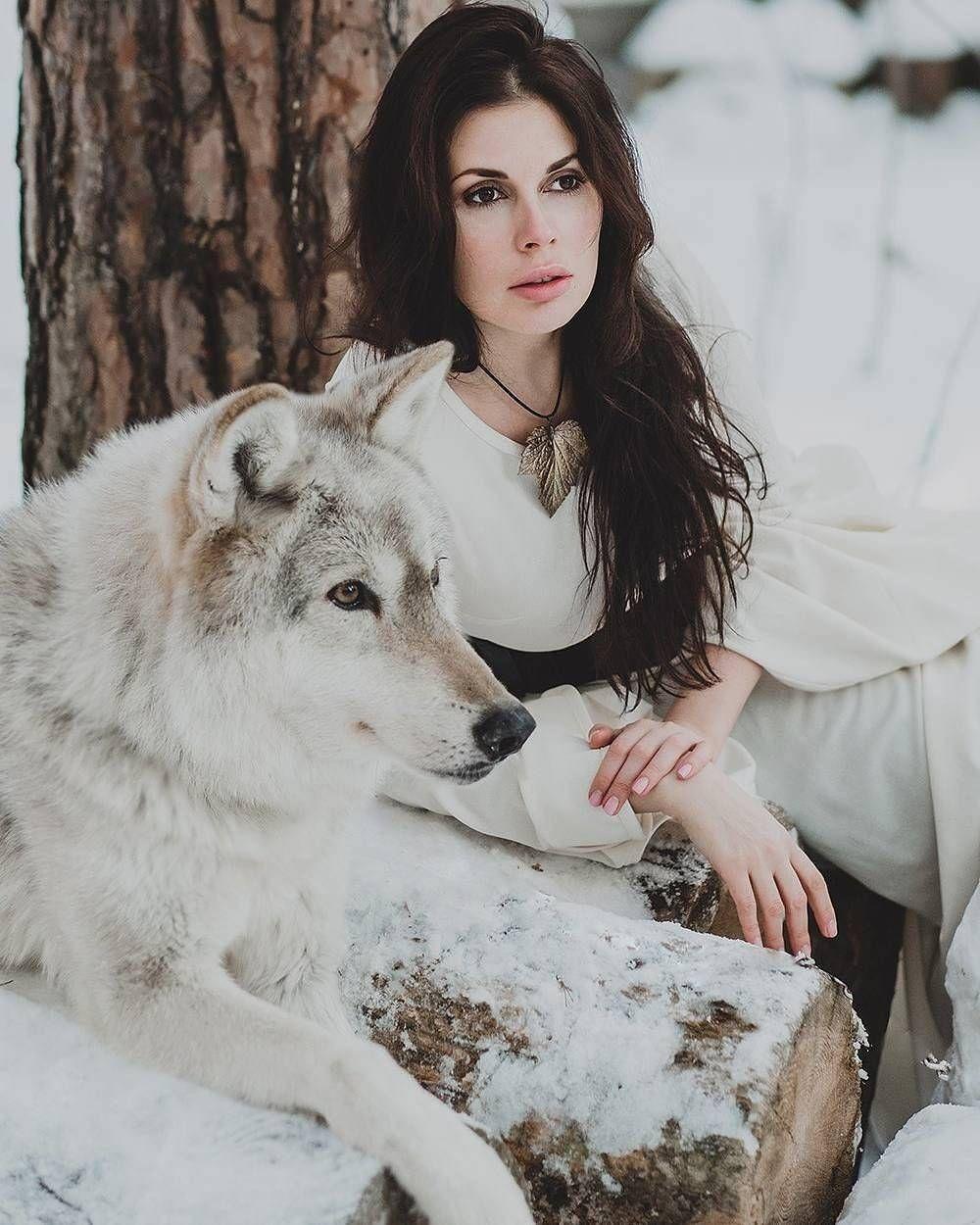 People And Animals Photos Of Olga Barantseva Httpphotovidecom - Photographer captures fairytale like portraits women animals