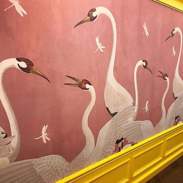 Praise Be To The Fashion And Home Decor Gods An Eclectic Heron Print Wallpaper By Gucci S Wunderkind Creat Dining Room Murals Hand Painted Walls Wall Painting