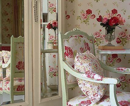 Cath Kidston Antique Rose wallpaper