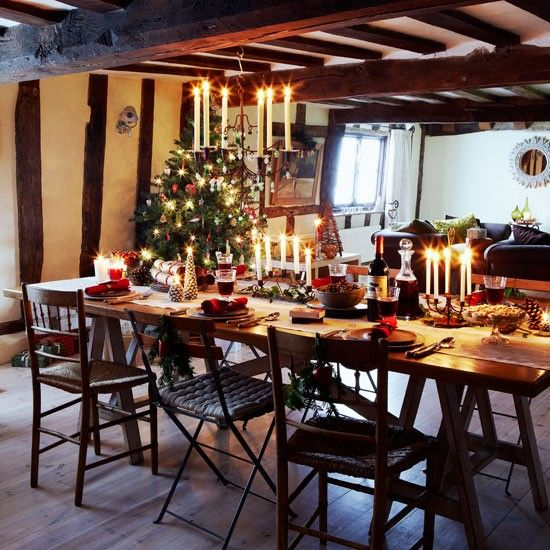 Festive Dinning Room | Christmas Country Cottage | Christmas Decorating  Ideas | PHOTO GALLERY | Housetohome
