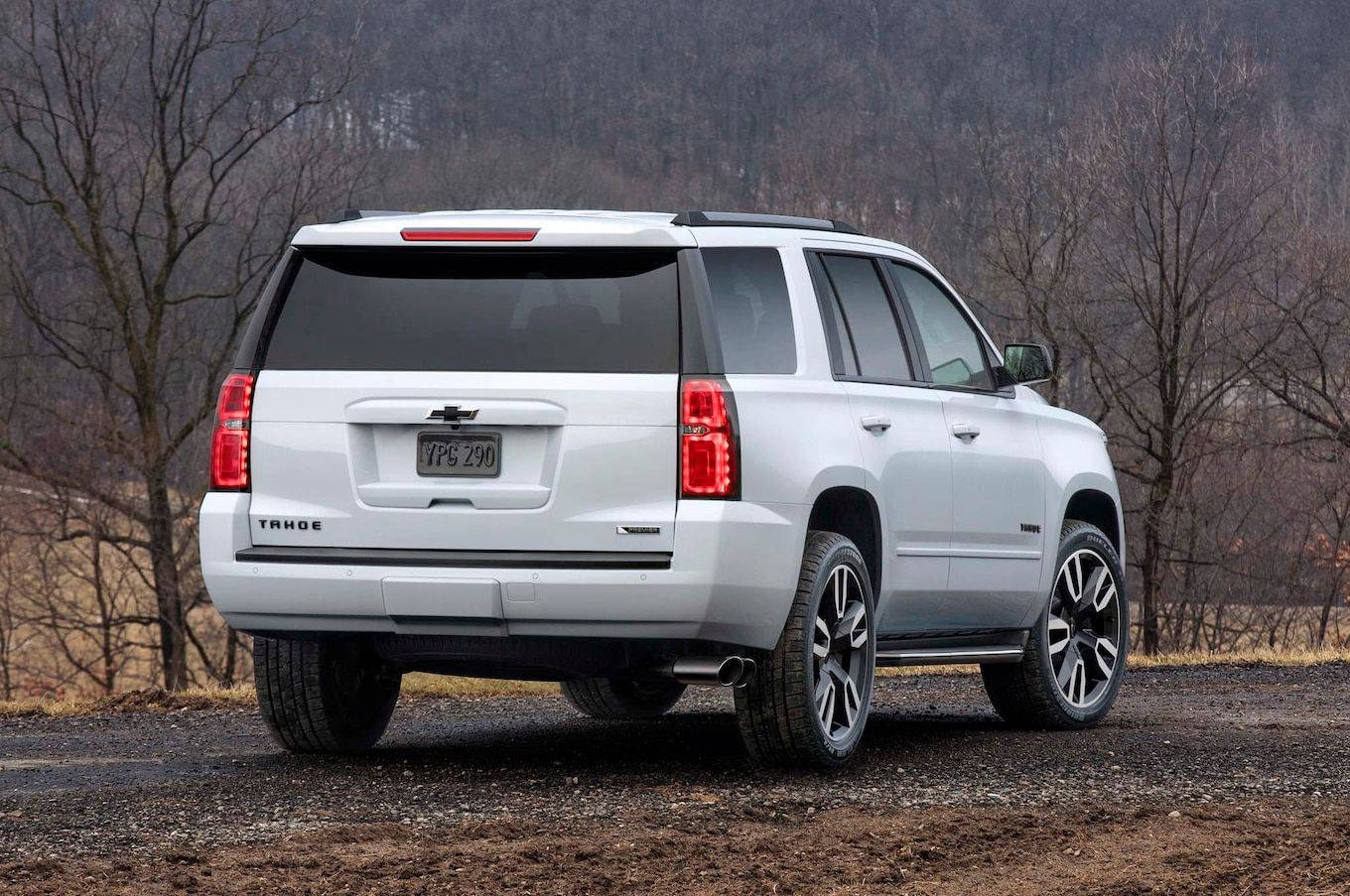 2018 Chevrolet Tahoe And Suburban Rst First Look Motor Trend Di 2020 Chevrolet Tahoe Chevrolet General Motors