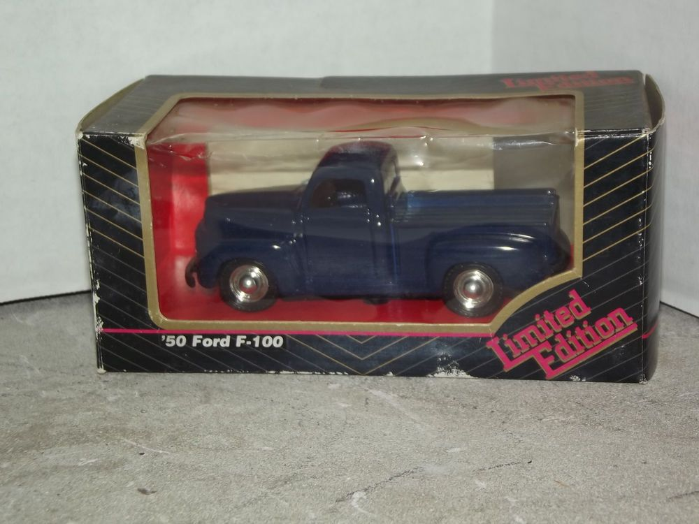 Limited Edition 1950 Ford F 100 Blue Die Cast Pick Up Truck With Registration Diecast Ford Pickup Trucks
