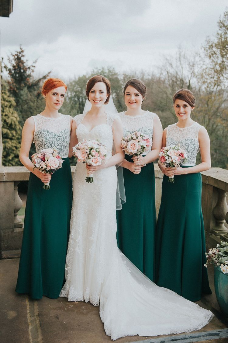 Bridal Party Photo Bride Bridesmaids Emerald Green Bridesmaids Dresse Emerald Green Bridesmaid Dresses Wedding Bridesmaid Dresses Wedding Dresses Vintage