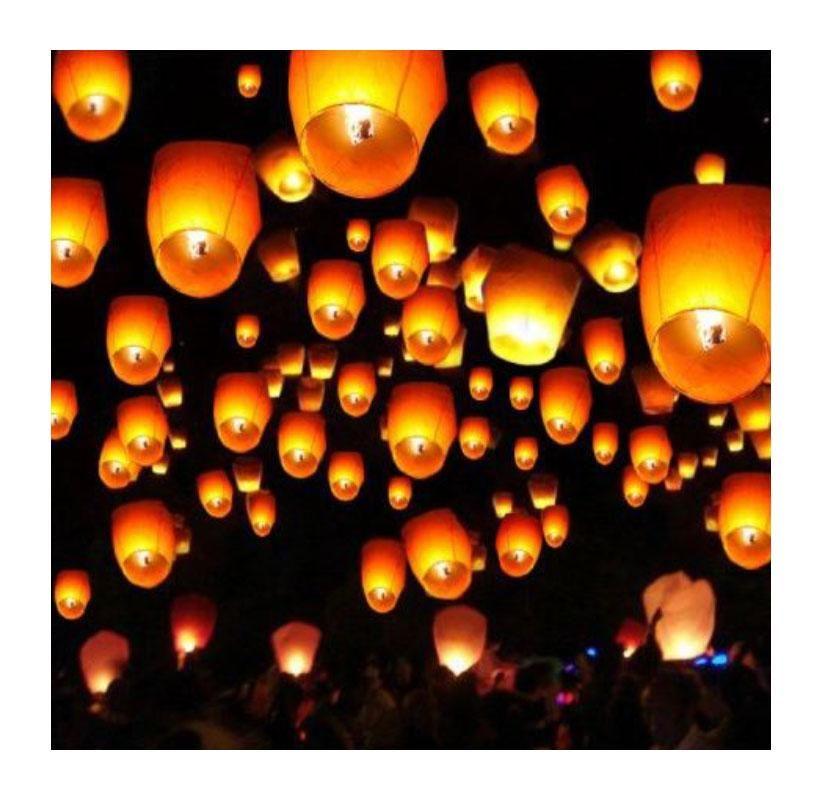 White Biodegradable Chinese Sky Lanterns 50 Pack In 2020 Sky Lanterns Chinese Floating Lanterns Paper Candle