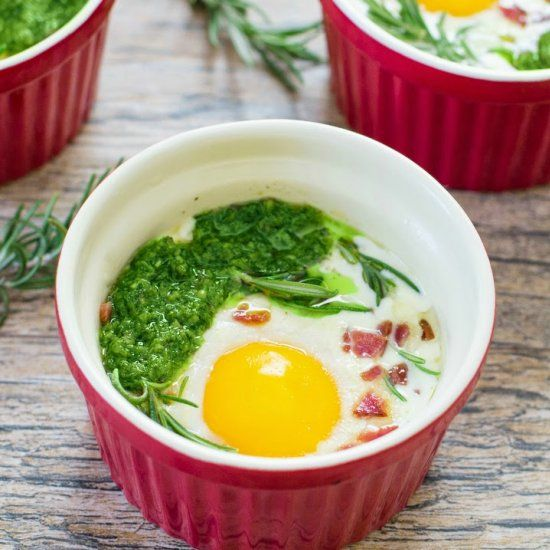 Eggs En Cocotte. A Creamy French Baked Egg Dish That Is