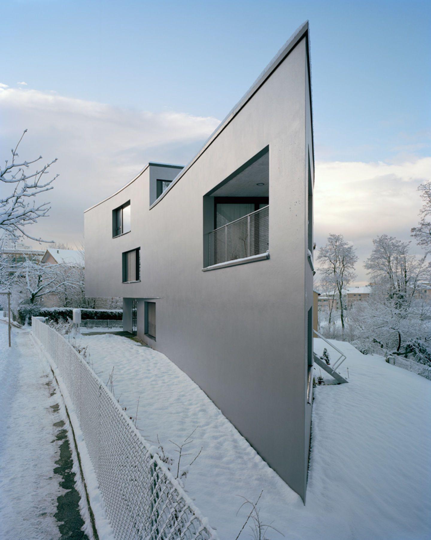 Personeni Raffaele Schärer Architectes, Daniela Droz & Tonatiuh Ambrosetti · Apartment building in Chailly · Divisare
