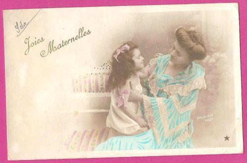 Mother-Affection-Little-Girl-Ribbon-1910s-Original-Vintage-Old-Photo-Postcard