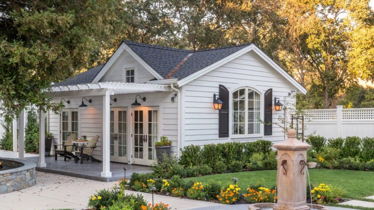 Charming Soothing Feel Luxury Cottage Home Beautiful Small Home Design Backyard Guest Houses Luxury Ranch House Plans Small Cottage House Plans