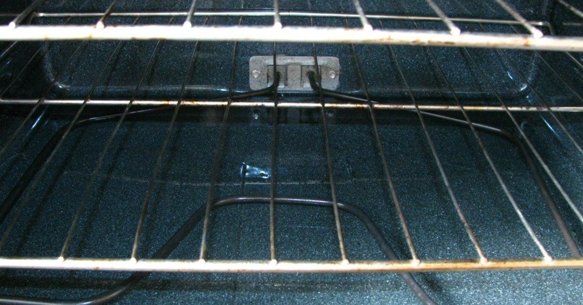 How to clean your oven with baking soda oven cleaning
