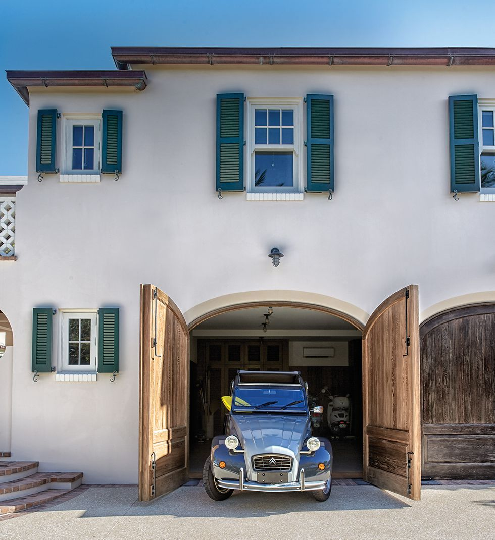 This Gorgeous Oceanfront House In Palm Beach Is To Die For