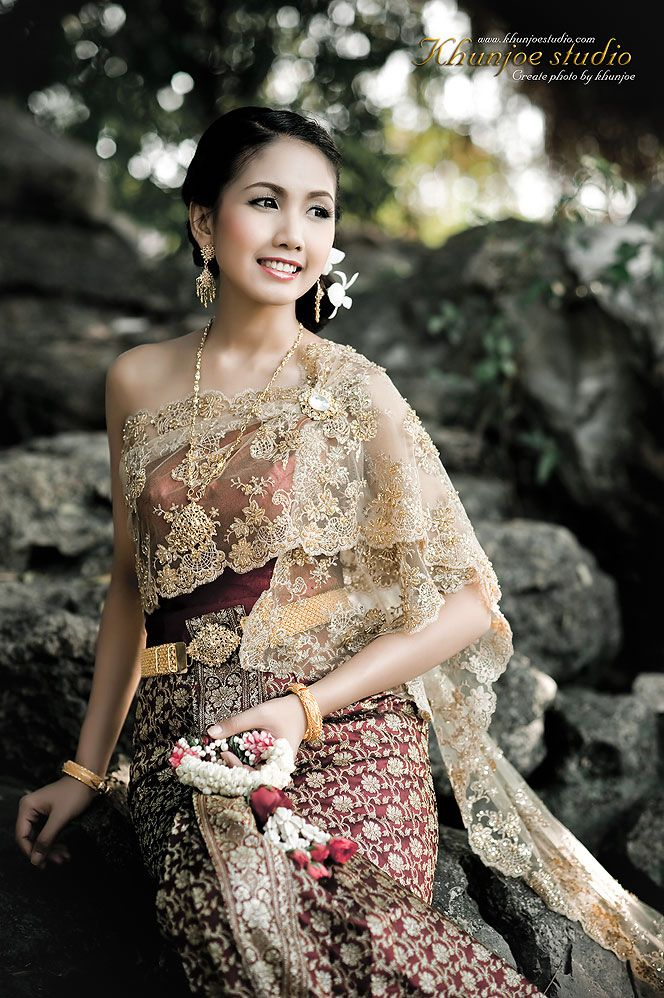 ✿ Thai women and Thai Traditional dress . | Thai style dress ...