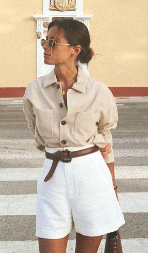 HOW TO WEAR YOUR BAG LIKE AN ITALIAN WOMAN — Alexandra de Curtis | Luxury Italian Leather Handbags, Purses, Ballet Flats  Accessories, Made in Rome