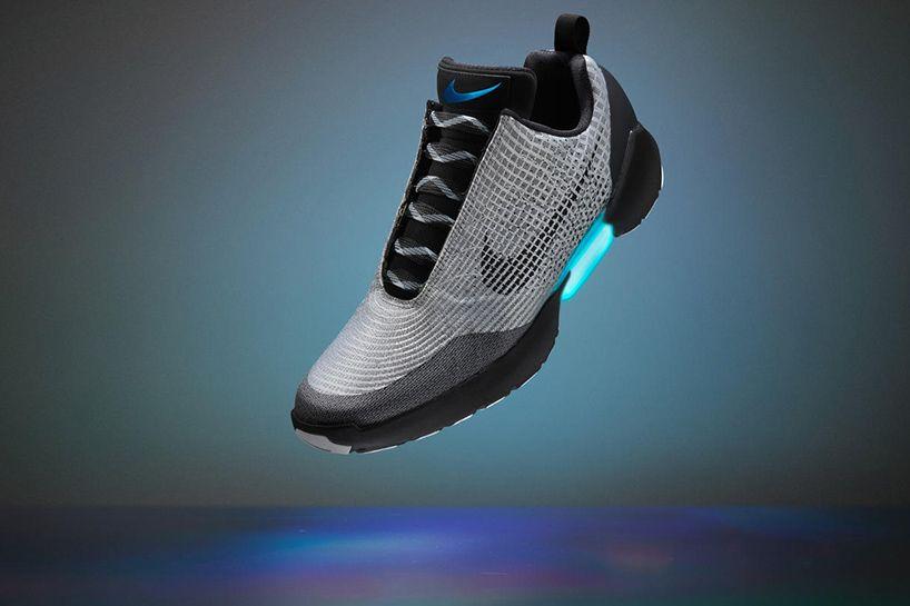 HyperAdapt 1.0: NIKE unveils self lacing sneakers | Scarpe
