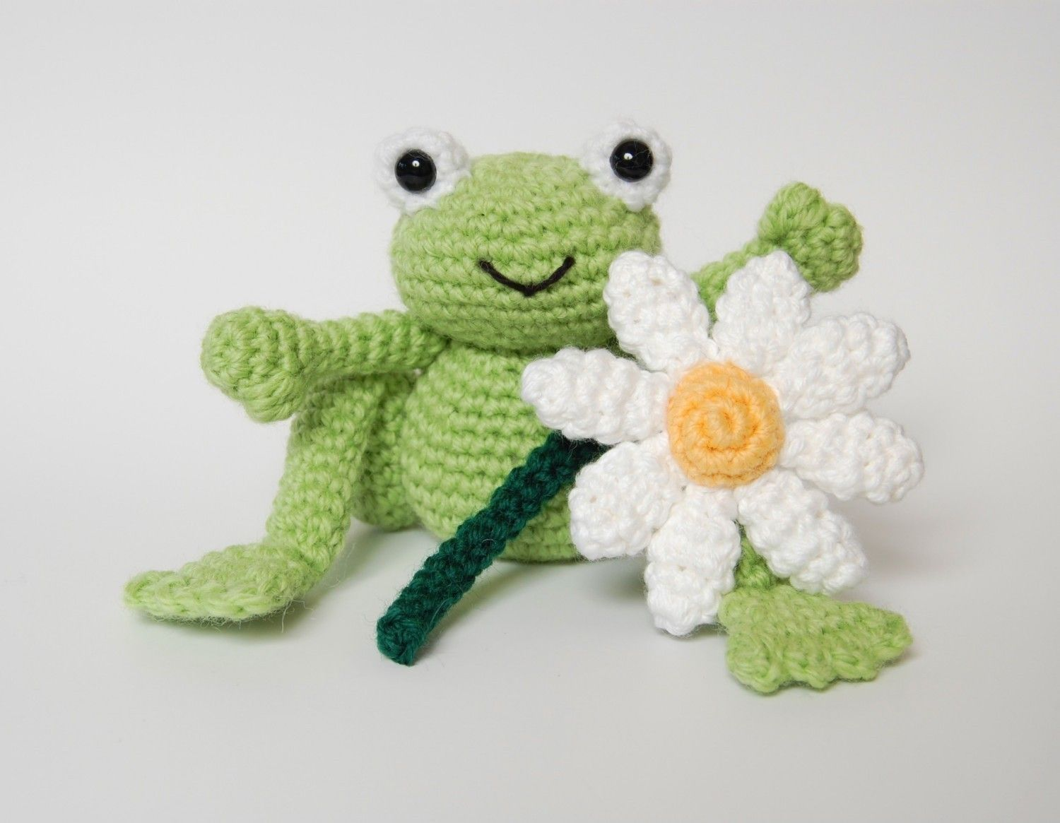 PDF Crochet Pattern for Frog Prince and Daisy by oliverboliver ...