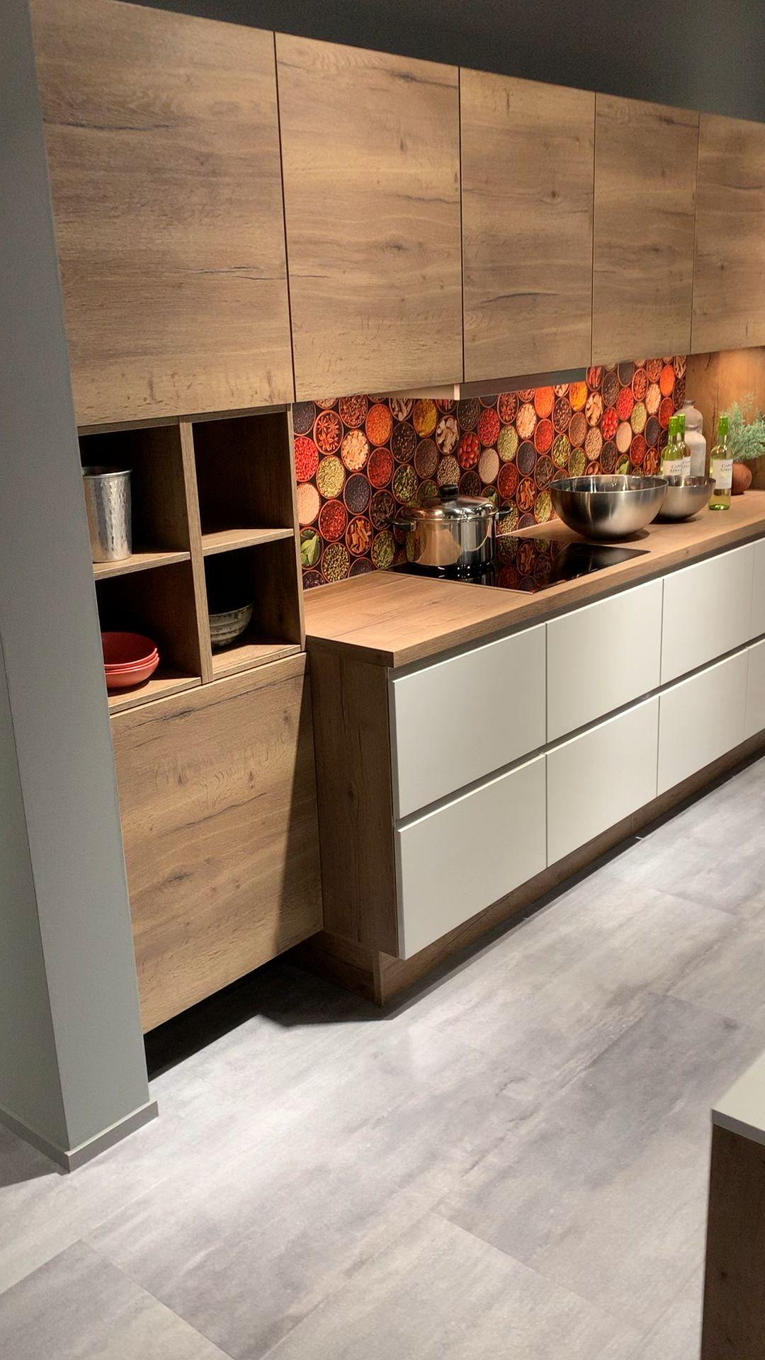 Die Lux In Seidengrau Mit Eiche Havanna Kombiniert Kitchen Kitcheninspiration Kitchendesign Kitchende Video Cozinhas Modernas Design De Cozinha Moveis Cozinha