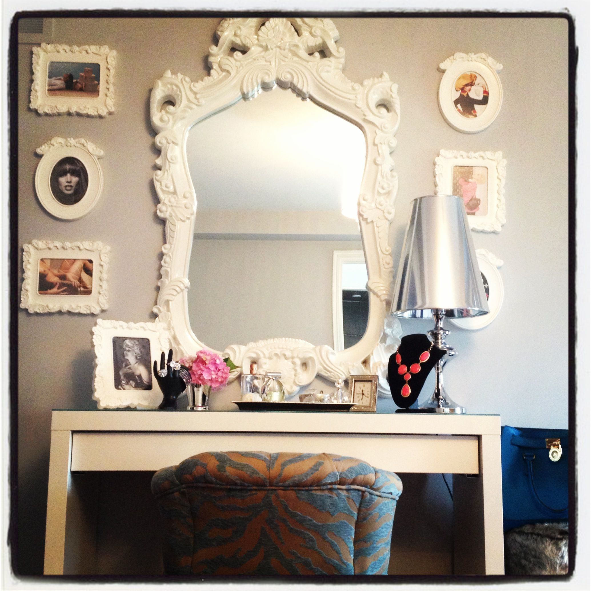 Diy Interior Decorating: My Glamorous Dressing Table Updated! New Chair & New Wall