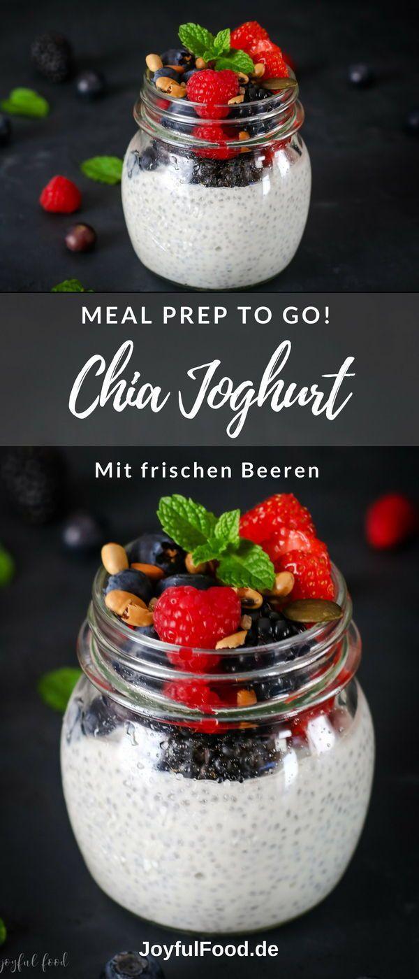Joghurt to go mit frischen Beeren Meal prep: das gesunde Rezept für einen wirklich leckeren Chia Joghurt to go mit frischen Beeren. Vegetarisch und glutenfrei. Super schnell und einfach gemacht. Meal prep: das gesunde Rezept für einen wirklich leckeren Chia Joghurt to go mit frischen Beeren. Vegetarisch und glutenfrei. S...