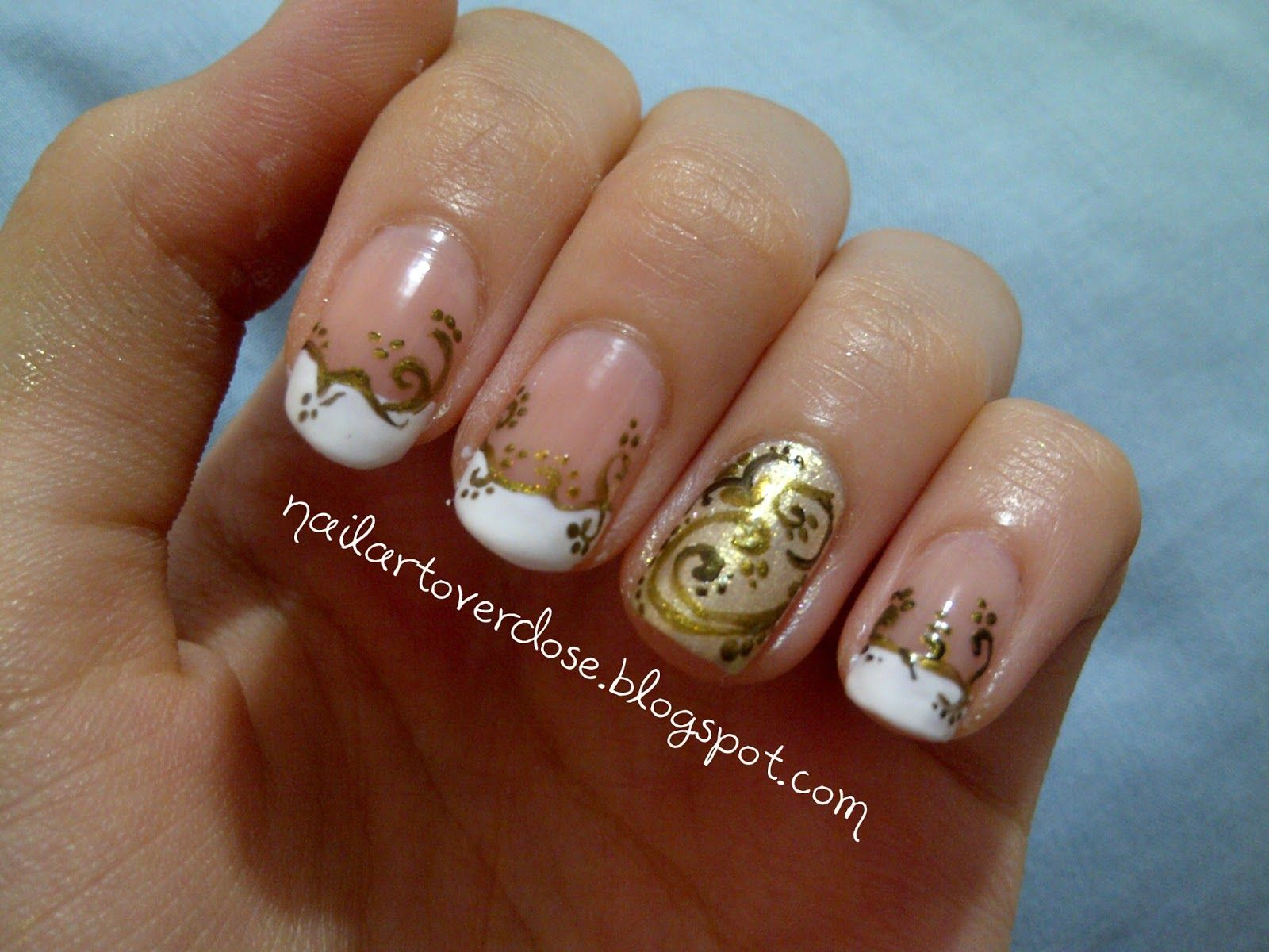 Nail Art Overdose Gold Filigree Nail Art Design Nails Maze